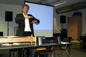 Professor Kern, Präsentation: Harmonik, Musik und Pädagogik,2012.