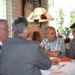 H. G. Weidinger + H. Dehmel + E. Reiser mittags beim Harmonik-Symposion 2012.
