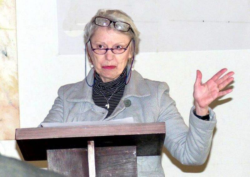 Biljana Papazov-Amman bei ihrem Vortrag Harmonikale Potentiale in der menschlichen Gesellschaft 2016