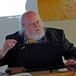 Klaus Ammann beim Vortrag Harmonikale Strukturen in der Mikrobiologie 2016