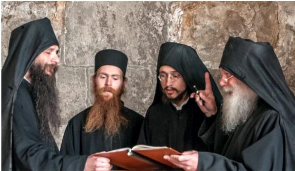 Mönche in Buchhagen beim reintönigen Kultgesang